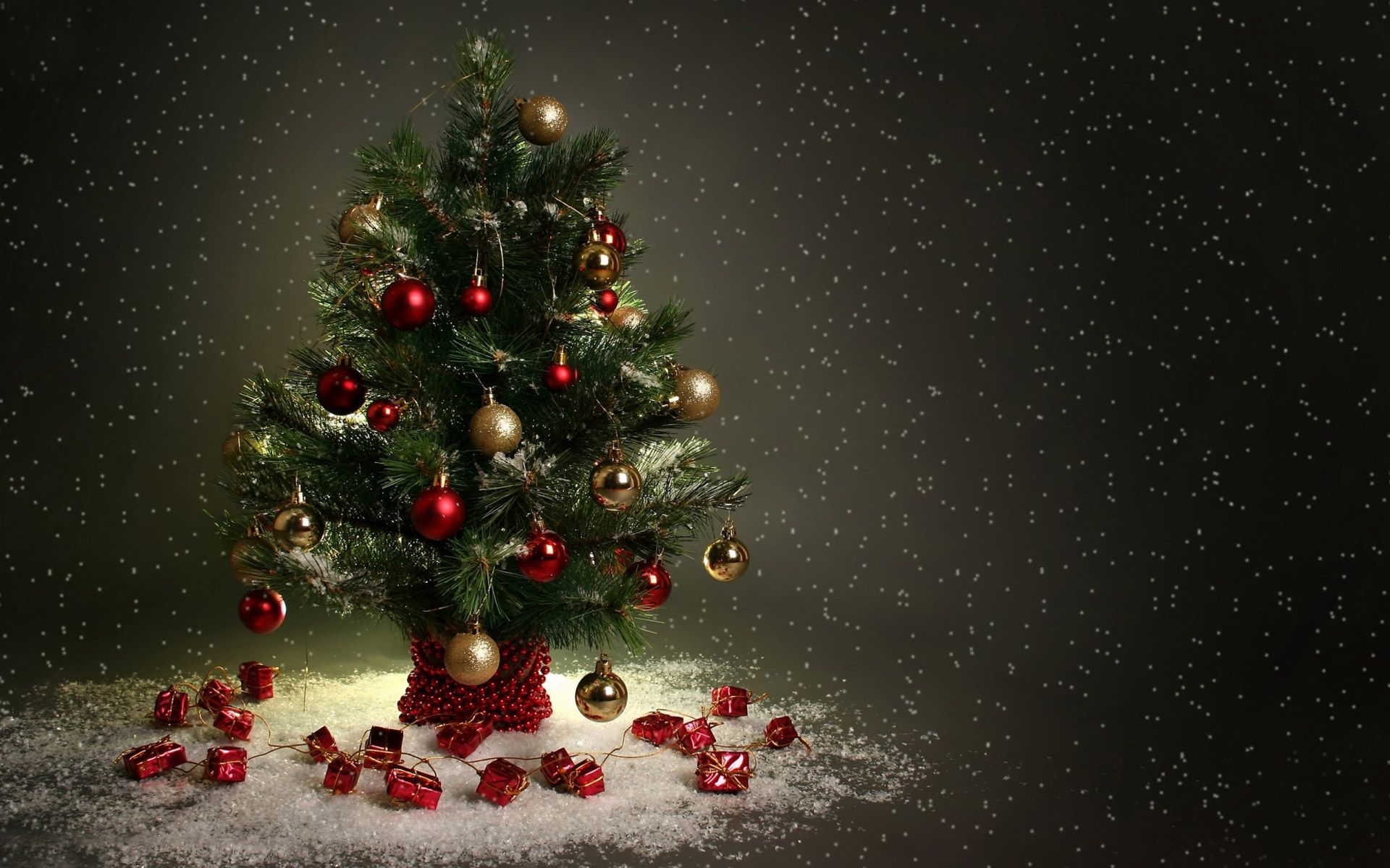 beautiful christmas tree hd wallpapers, free download tree pictures