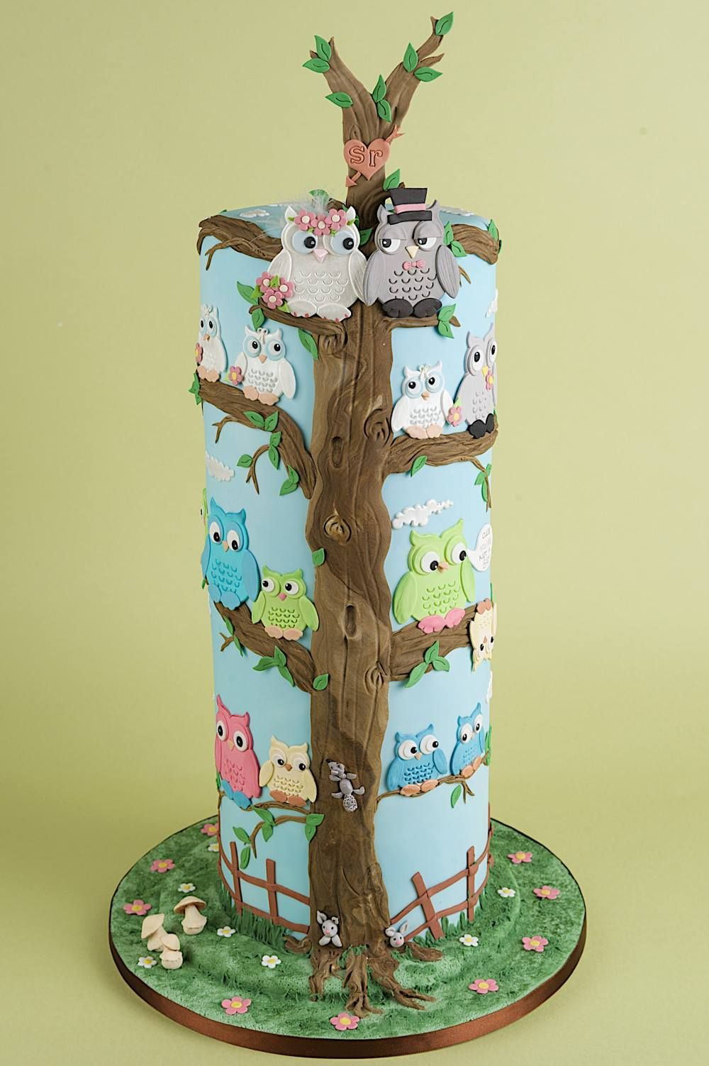 Stacked Owl Cake - Using Patchwork Cutters Owl Set.   cakes ...