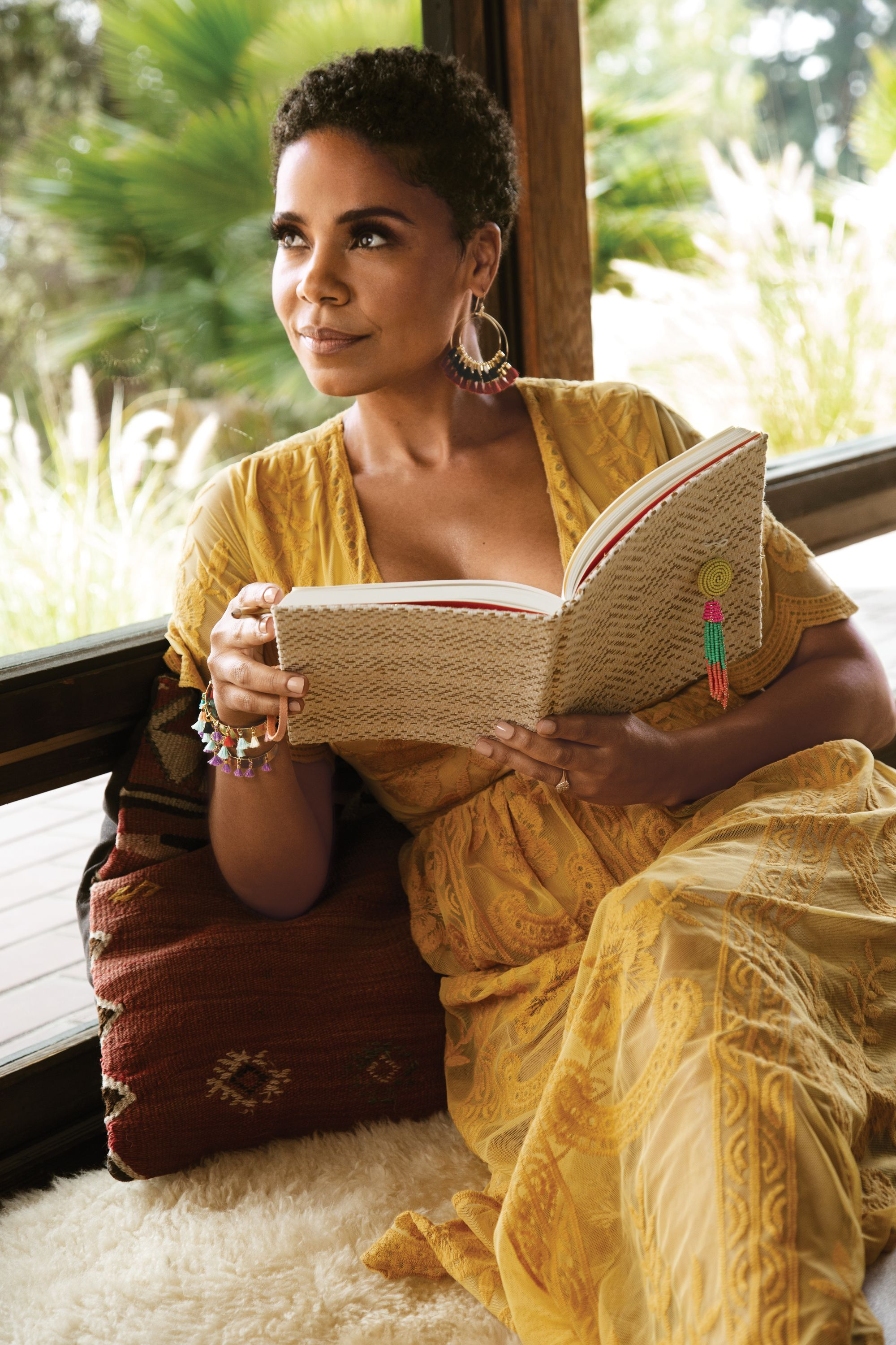 Sanaa Lathan Talks Self Care Body Image And That Bizarre Beyonce Biting Rumor Natural Hair Styles Short Hair Styles Womens Hairstyles