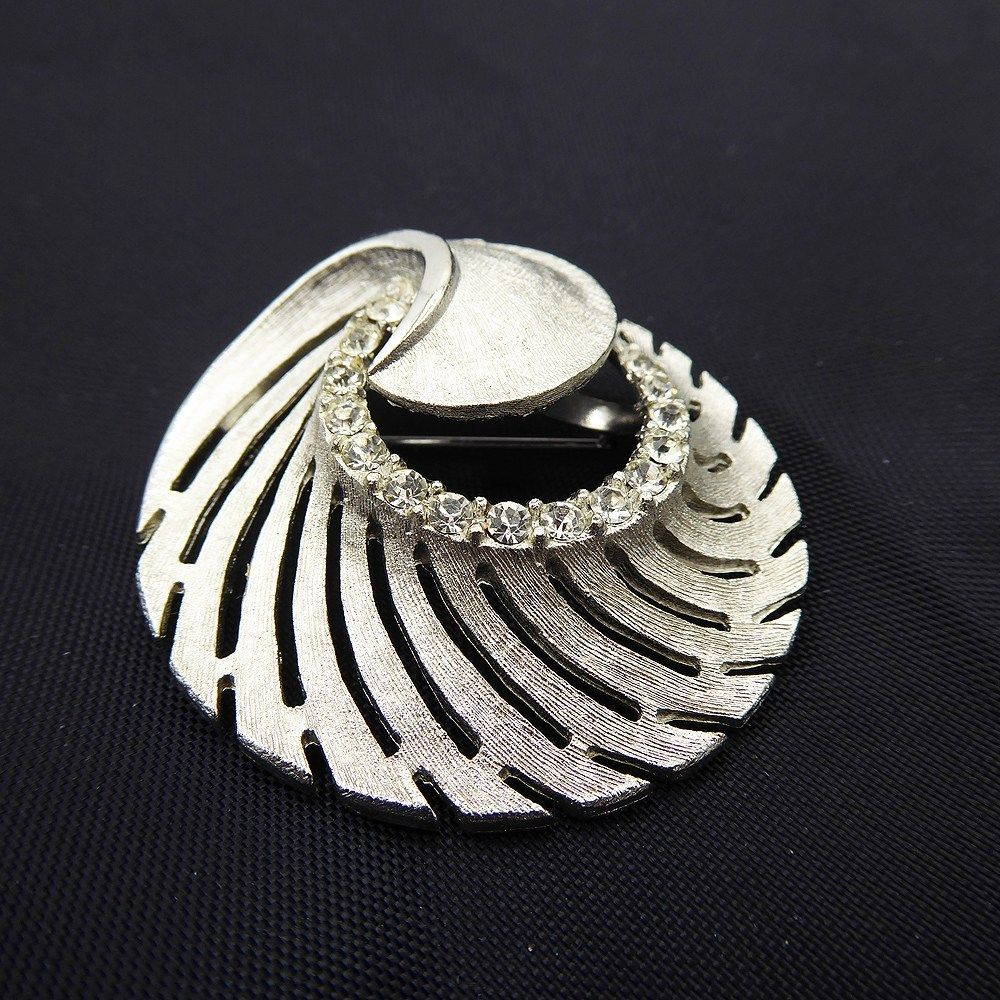 """3/"""" LARGE SILVER TONE VINTAGE LOOK  BROOCH WITH CLEAR RHINESTONES"""