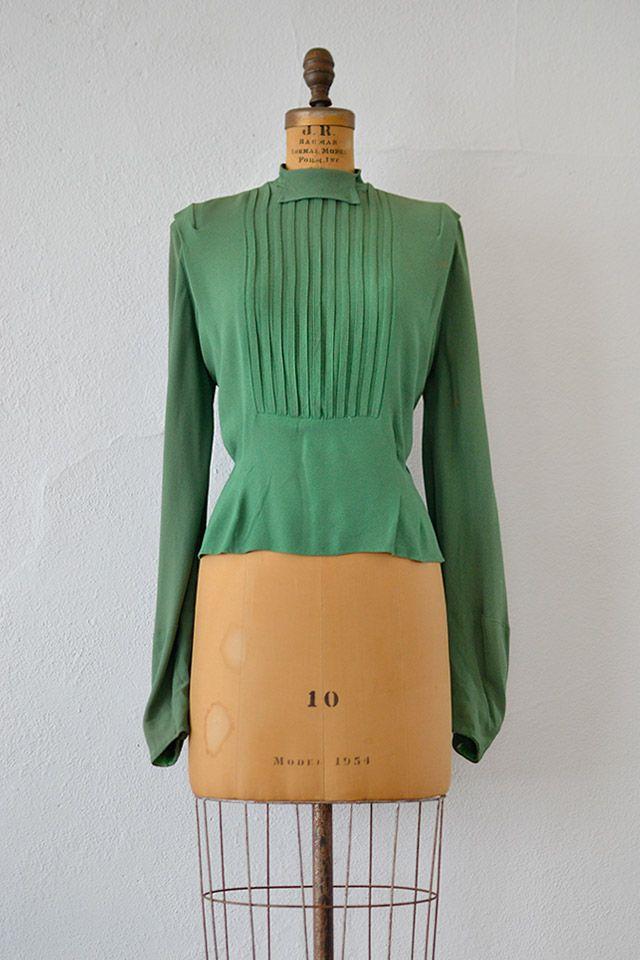 vintage 1940s green pleat bishop sleeve blouse