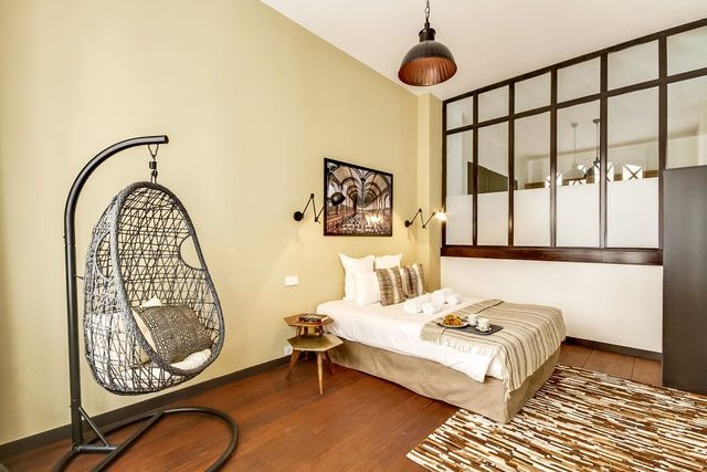 Loft Paris 8 : un 100 m2 avec verrières d\'intérieur | Glass wall ...