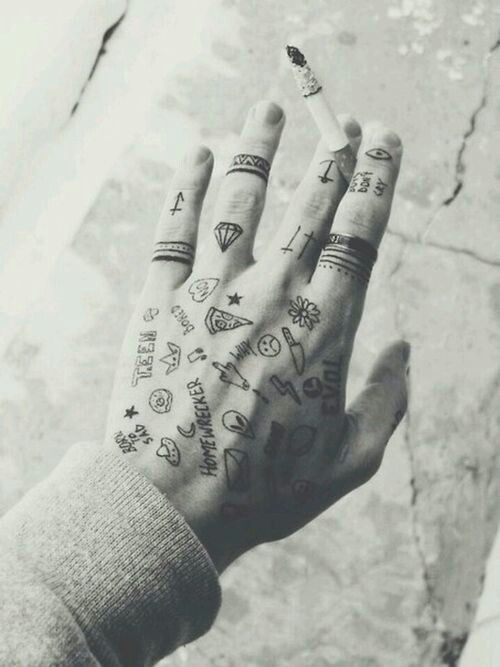 Coolest Little Tattoos Awesome Little Tattoo Hand Tattoos