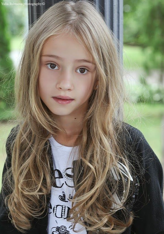 Top 10 child models - TopYaps