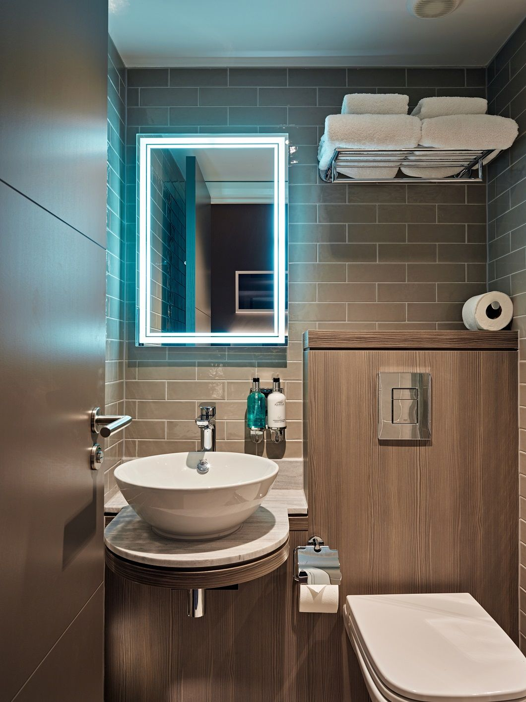 Best H1477 St22 Green Grey Avola Features In The Bathroom Of 400 x 300