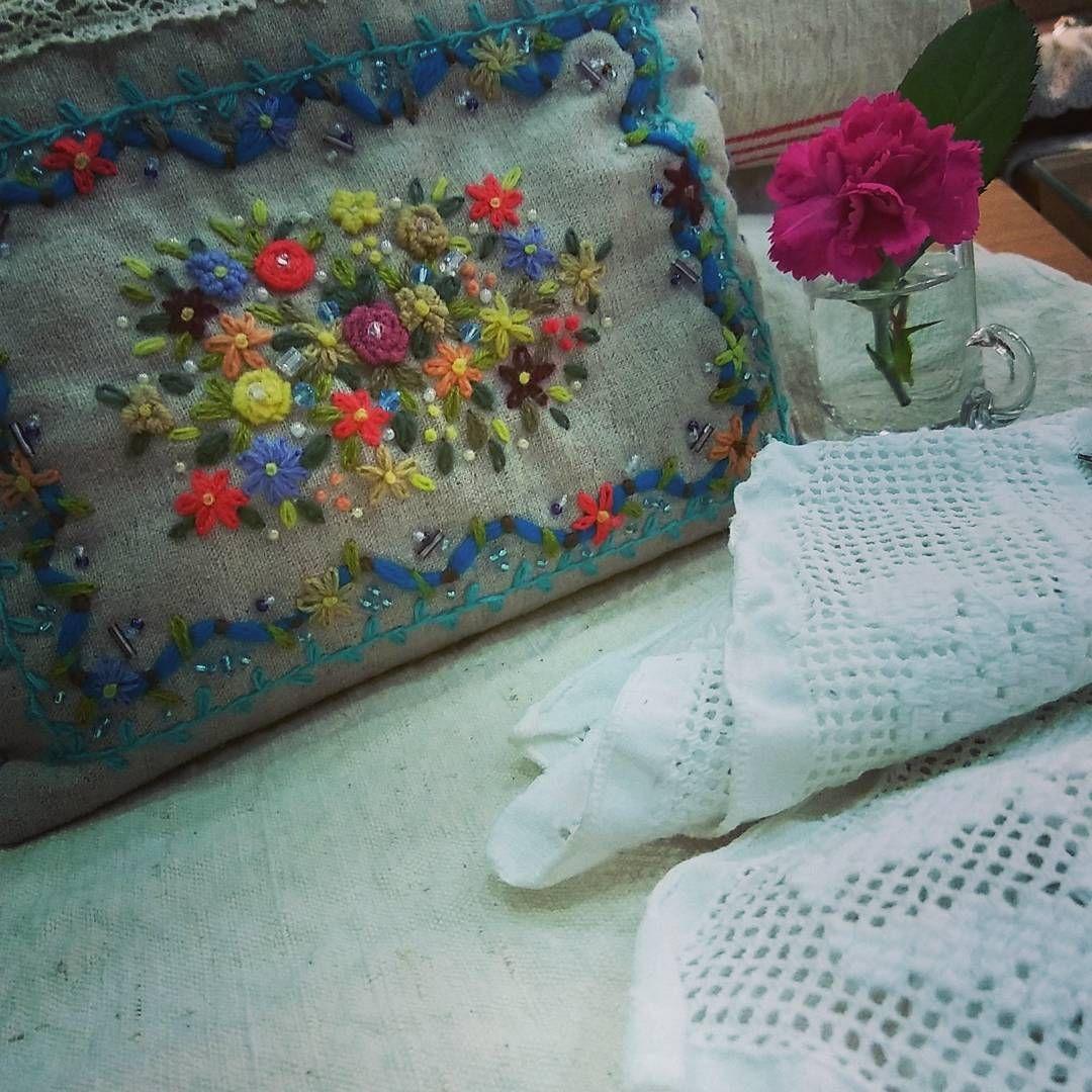 #Embroidery#stitch#needlework #프랑스자수#일산프랑스자수#자수#자수타그램#자수크러치 #파티에서 빛났던 블루비즈클러치~~