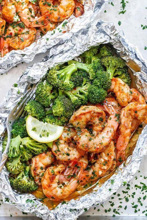 Baked Shrimp and Broccoli Foil Packs with Garlic L