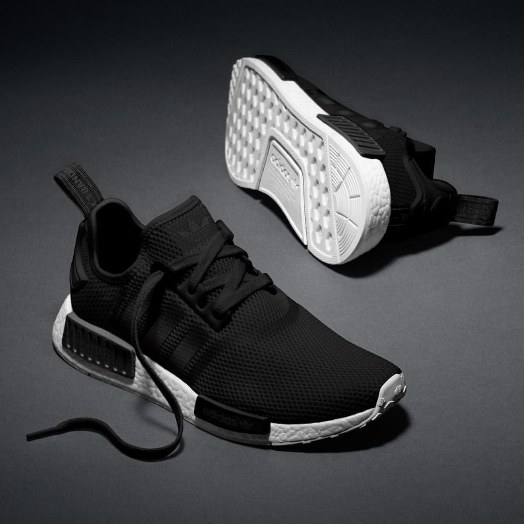 Best Drop Shipping Adidas NMD Runner R1 Couple running shoes Black white