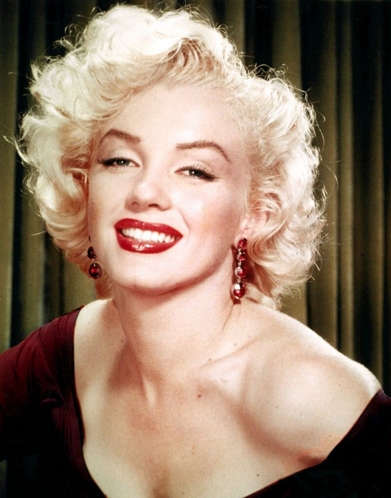 Famous Females - Marilyn Monroe | Stage Makeup | Pinterest | More ...