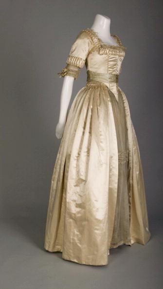 Photo of Wedding dress; Silk satin, lace, silk flowers 1918