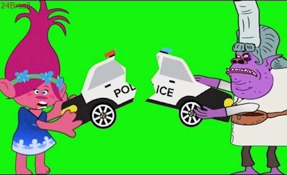 TROLLS POPPY AND BERGENS CHEF crying when broke her Policeman car★ TROLLS BRANCH, POPPY Funny Pranks