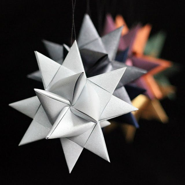 German Stars... Again (4 German paper stars - I've made these.  Love that I can pin a tutorial so I never have to search for the printed instructions again.  They're beautiful, especially if you use two colors of paper.German paper stars - I've made these.  Love that I can pin a tutorial so I never have to search for the printed instructions again.  They...