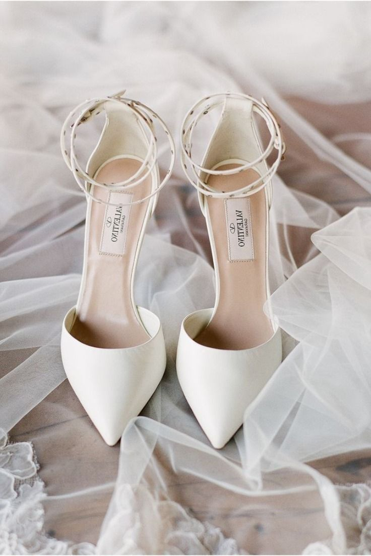 White Valentino Rockstud Leather Pumps Bridal Shoes Gary And Yanny S Bright Sunflower Filled Destination Wed White Bridal Shoes Wedding Shoes Bridal Shoes