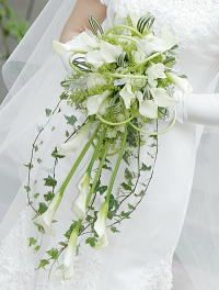 How to make a Calla Lily Bridal Bouquet - I like this but I think strands of some other long white flower would be better than the green
