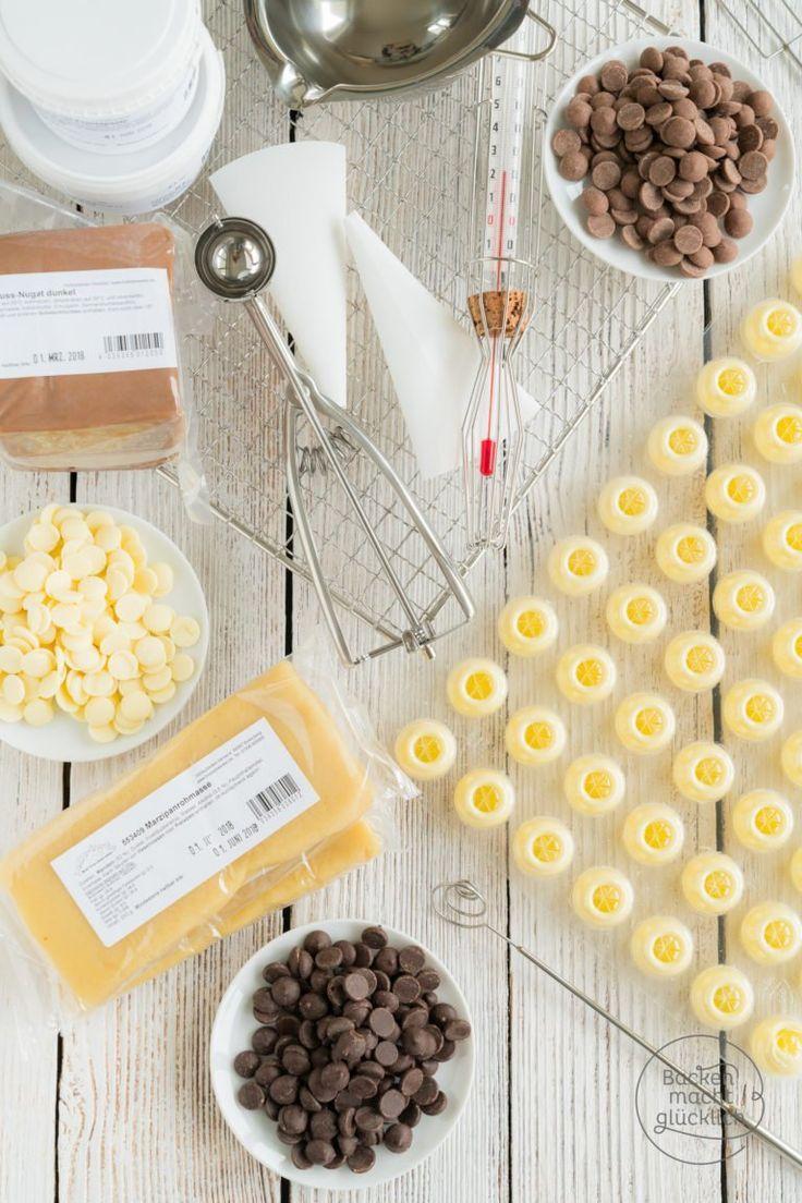 Wunderschöne, Leckere Blondine Steht Auf Schokolade