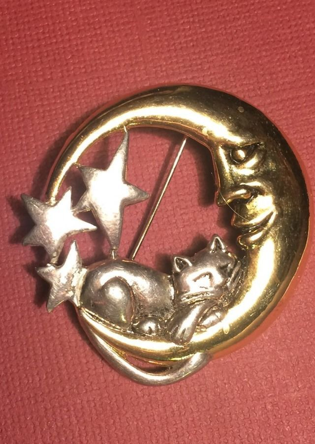 d6330d1bf 80's Two Metal Kitty Cat Reclining on the Moon Brooch 2