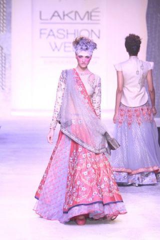 Anju Modi. LFW S/S 14'. Indian Couture.