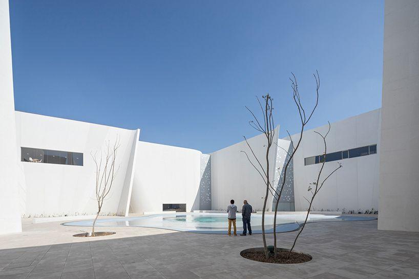 toyo-ito-museo-internacional-del-barroco-baroque-art-museum-puebla-mexico-designboom-02