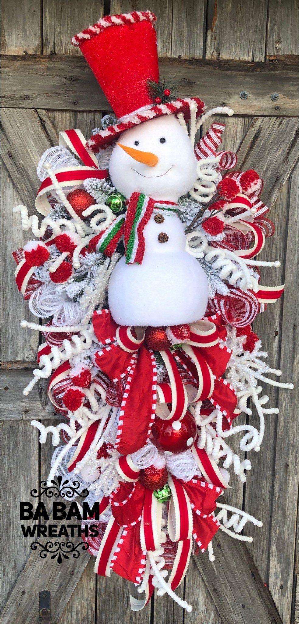 Snowman Wreath Traditional Christmas Wreath Red Black Christmas Christmas Wreath Christm Christmas Wreaths Christmas Swags Christmas Door Hangings