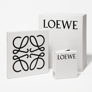 Loewe(ロエベ)のロゴマーク。 スペインのファッションブランドですね。 このロゴは、今年6月にリ
