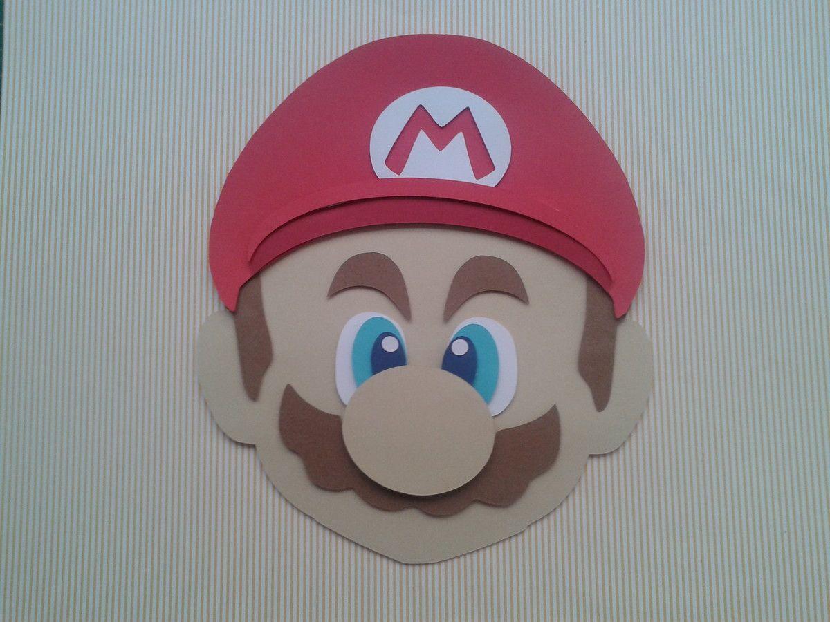 Que tal uma aventura com o Mario Bros? <br>O Quadro pode ser usado para decorar o quarto das crianças ou adolescentes. <br> <br>Tamanho 32 x 32, moldura em madeira laqueada de branco, vidro. Confeccionado em camadas de papel. <br> <br>*** desenvolvemos outros personagens também*** <br> <br> <br> <br>O nome pode ser alterado.