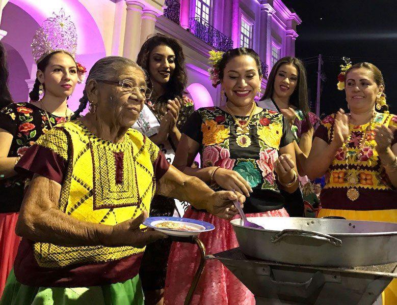 Festival de la garnacha rinde homenaje a la gastronomía de Santo Domingo Tehuantepec