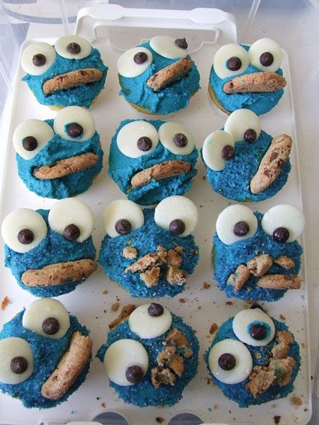 cookie monster cupcakes ::; sesame street birthday party