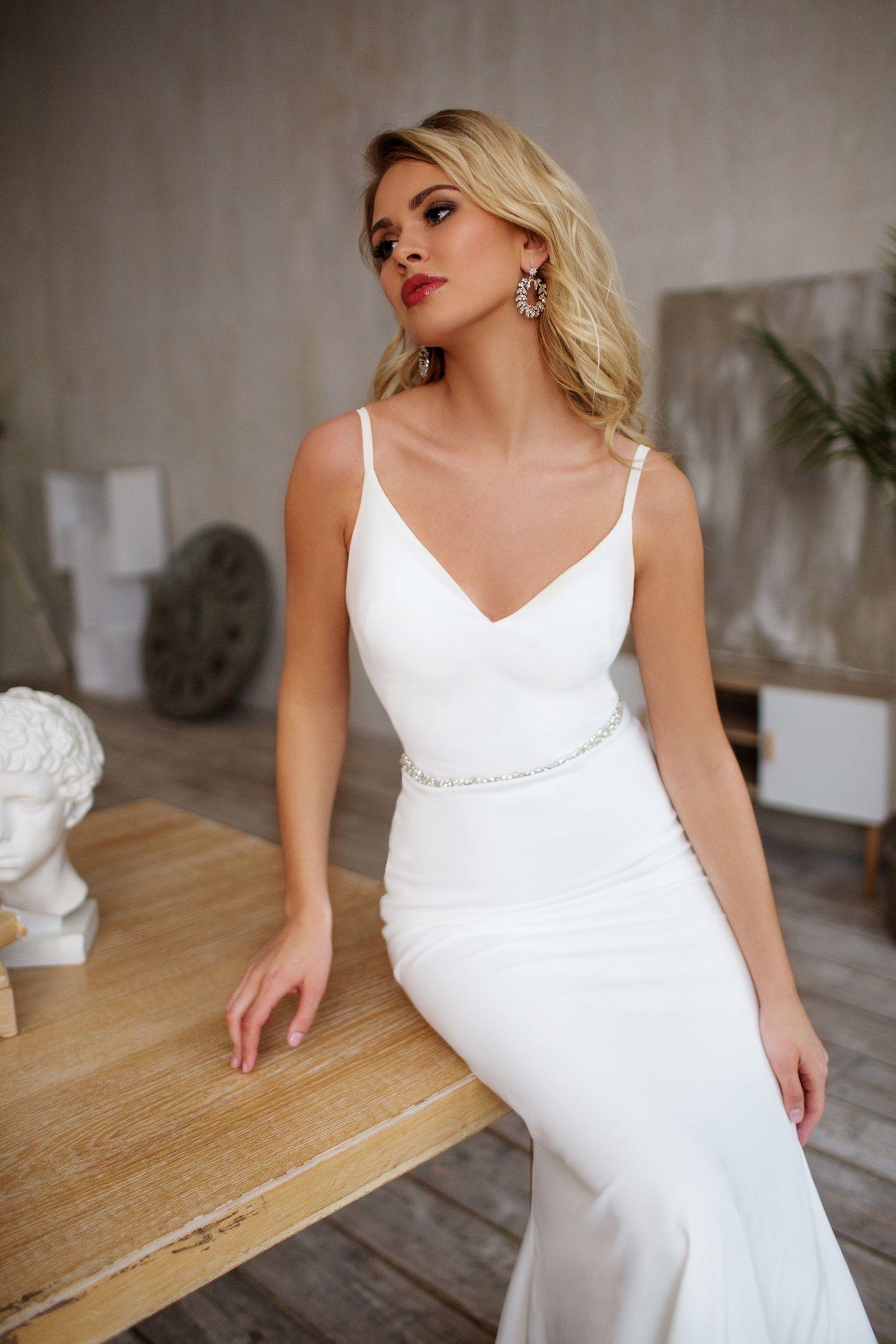 Simple Wedding Dress Casual Elegant In 2021 Wedding Dresses Simple City Wedding Dress Informal Wedding Dresses [ 2500 x 1667 Pixel ]