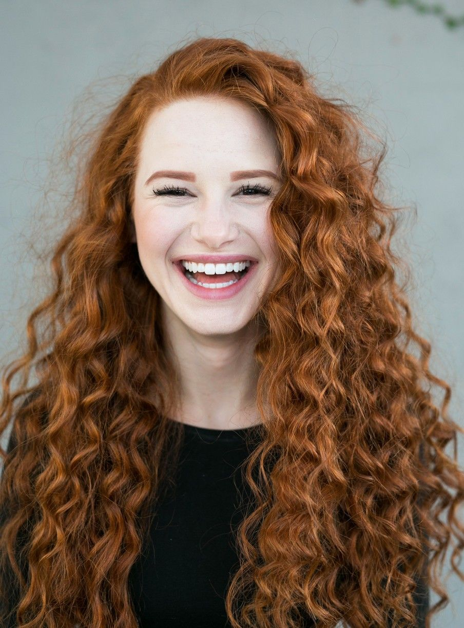 Riverdale S Madelaine Petsch Rocks Curly Red Hair For New