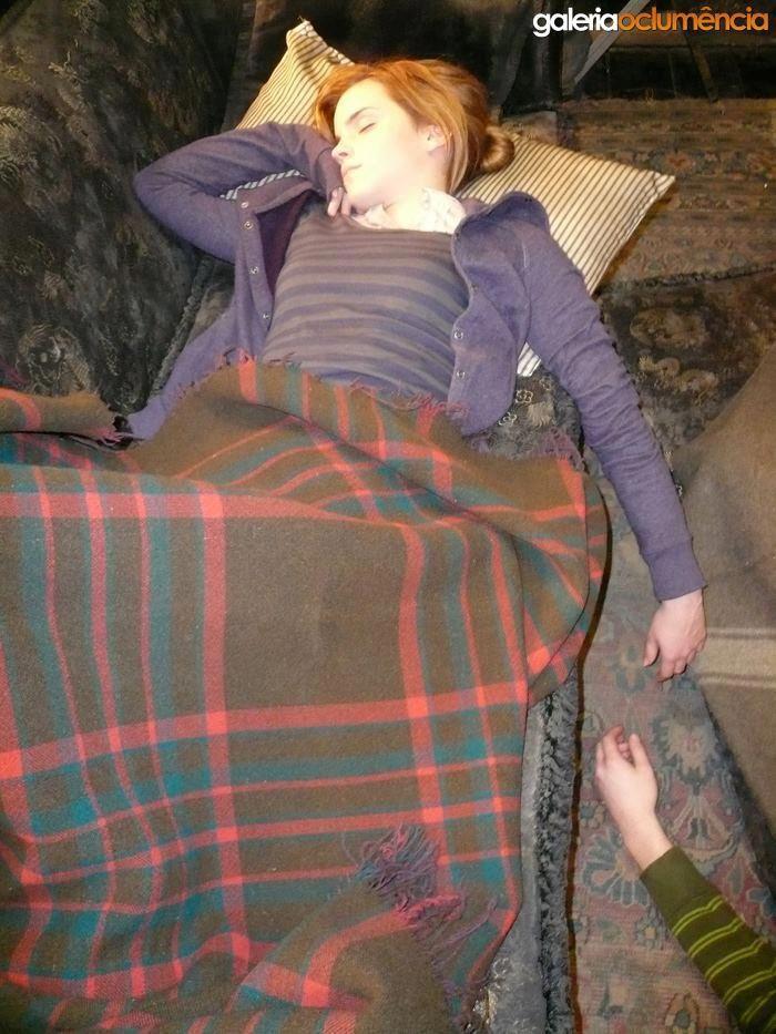 Fall In Love Couples Wallpapers Sleep Emma Watson Emma Watson Harry Potter Parts
