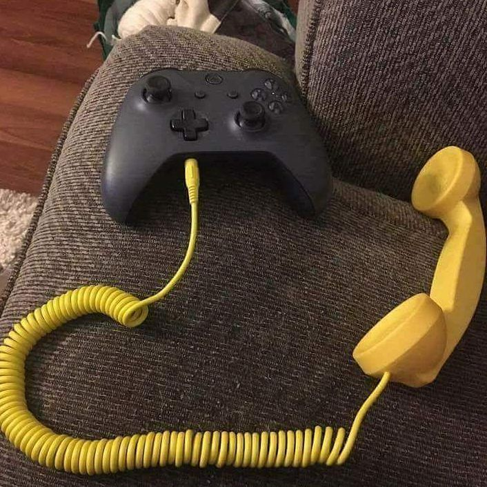 This Is What Happens When Your Headset Breaks Lol Memes Funny Internet Memes Internet Funny