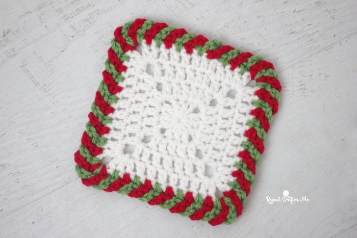 Crochet Candy Cane Border (Repeat Crafter Me) | Carpetas crochet ...