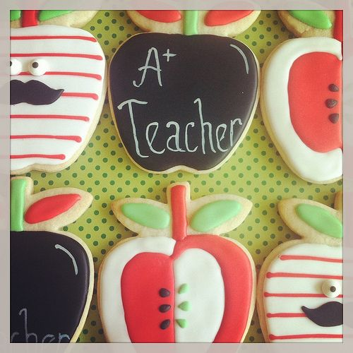 back to school apples~                     by sugarlily cookie, via Flickr, red, blackboard