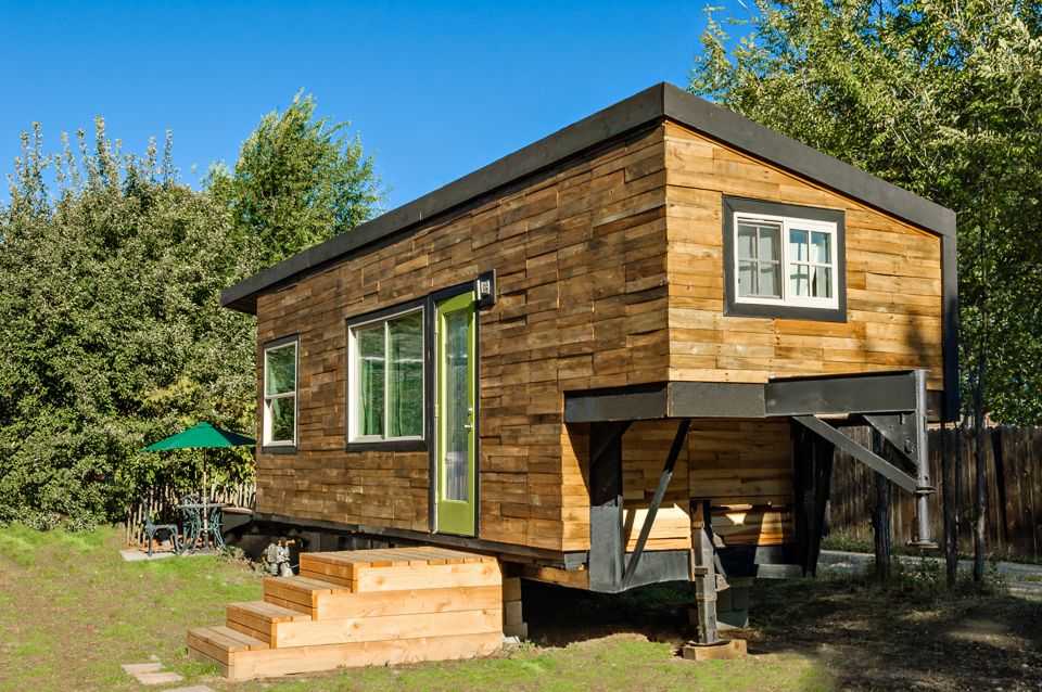 3 Cheap Ways To Build Your Own Tiny House On A Building A Tiny House Best Tiny House Cheap Tiny House