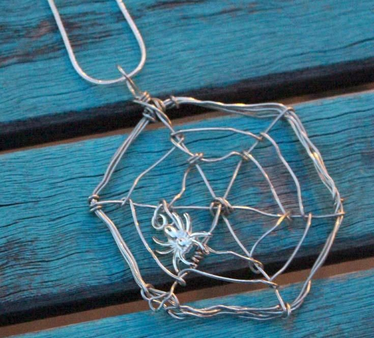 Spooky Spider Wire Necklace | Wire necklace, Wire wrapped necklace ...