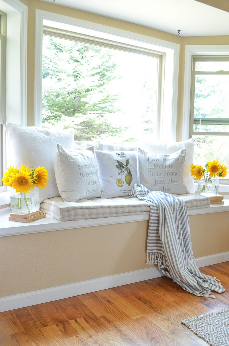 Cozy Farmhouse Style Window Seat   Home decor bedroom, Cozy window ...