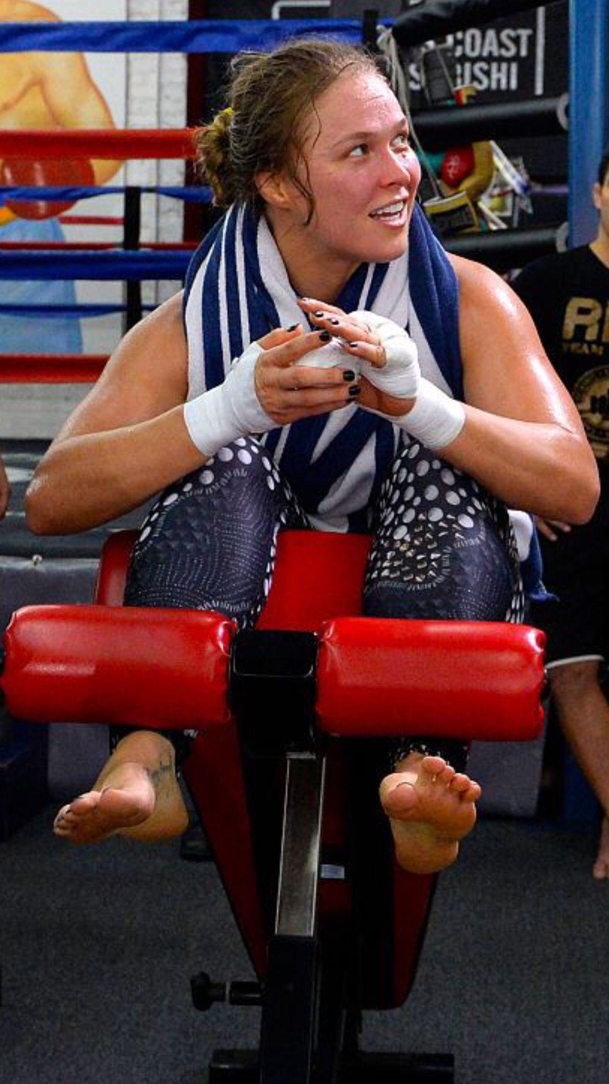 Pin By Rondarius Johnson On Ronda Rousey Ronda Rousey Ronda Jean