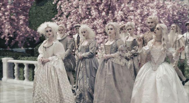 Resultado De Imagem Para Rainha Branca Alice No Pais Das