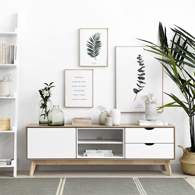 Hogares Kenay Un Atico Renovado Muebles Blanco Y Madera Muebles Para Tv Decoracion De Interiores Salones