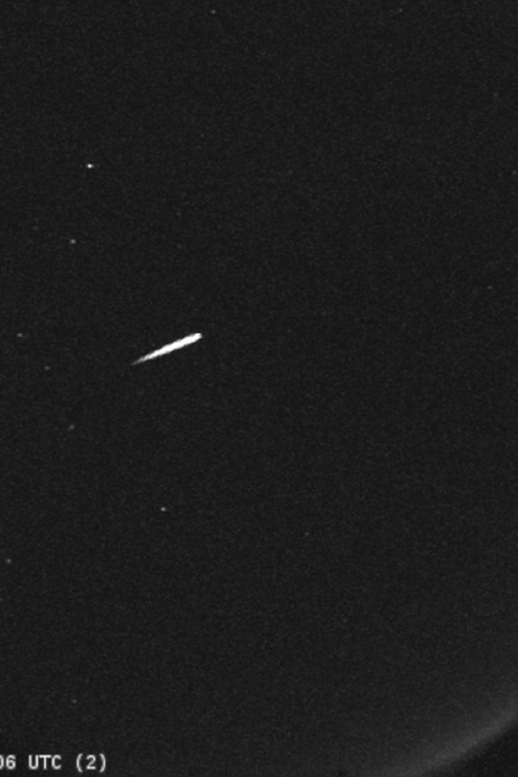 Here S How To Watch The Orionid Meteor Shower This Week Meteor Shower Meteor Beautiful Lights