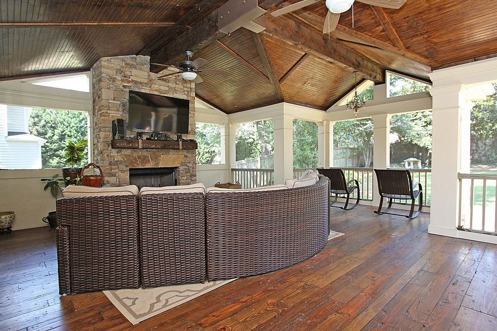 Awesome Craftsman Porch   Find More Amazing Designs On Zillow Digs!