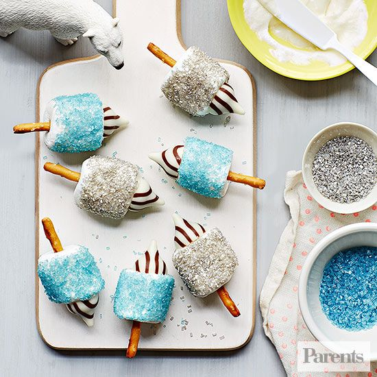 These marshmallow dreidels won't spin, but they sure do sparkle! Kids can help make this unique dessert for #Hanukkah.
