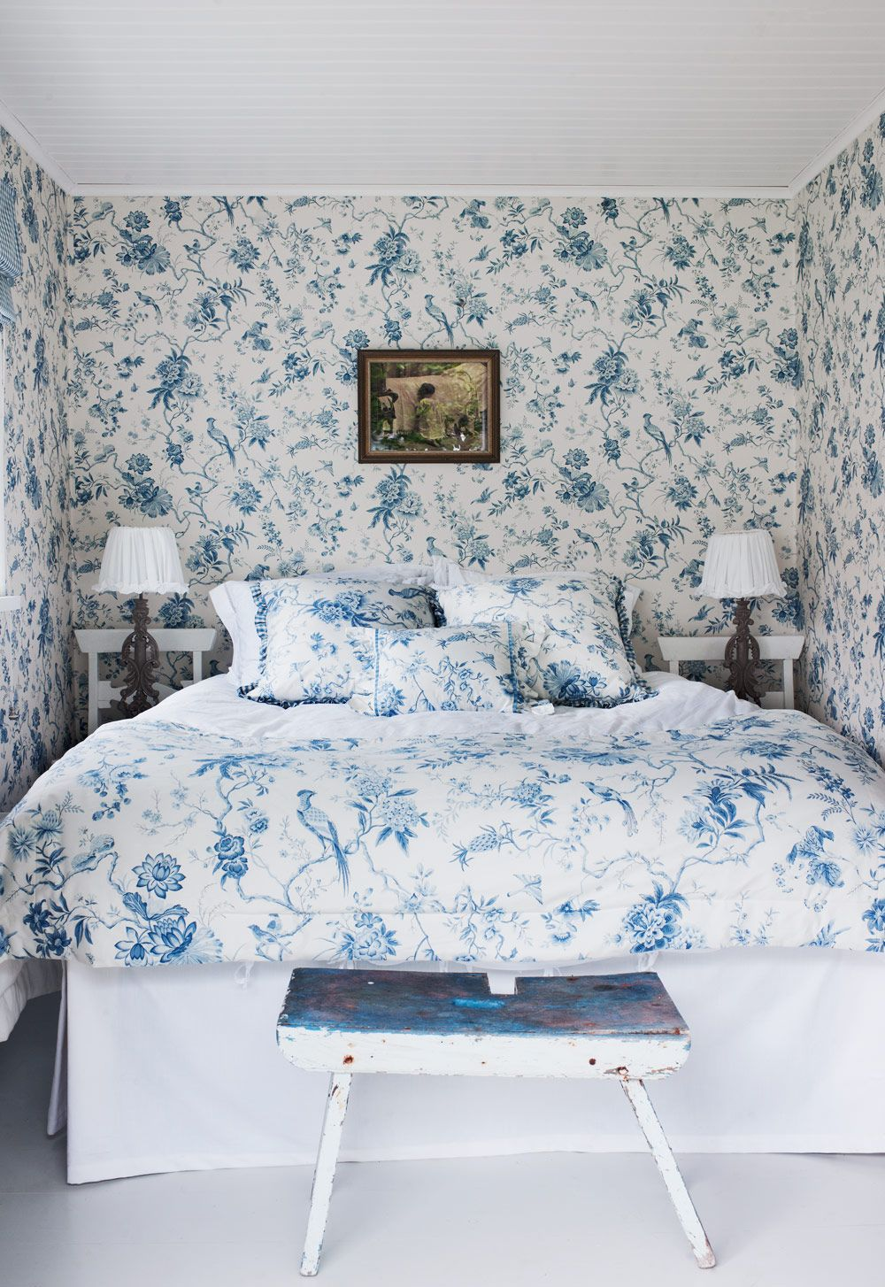 Best Beautiful Blue And White Bedroom Floral Wallpaper And 400 x 300