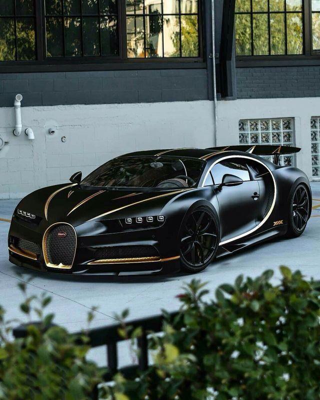 Custom Bugatti Veyron Super Rear View: Bugatti Chiron #bugattichiron #bugatti #cars