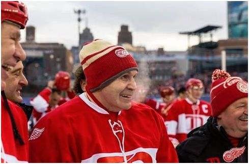 Vladimir Konstantinov. Glad to see he's doing all right nowadays.