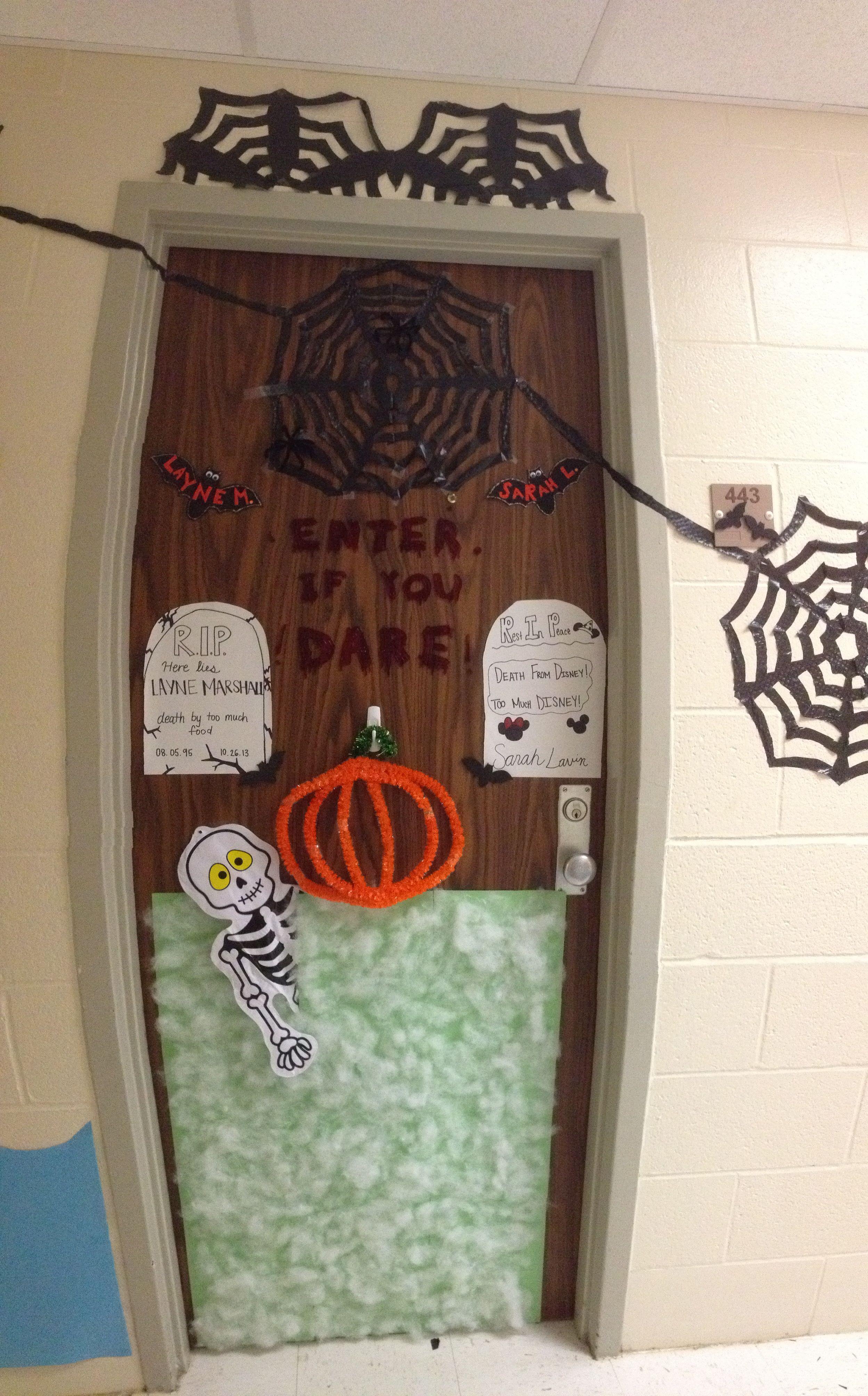 Halloween decorations for dorm door