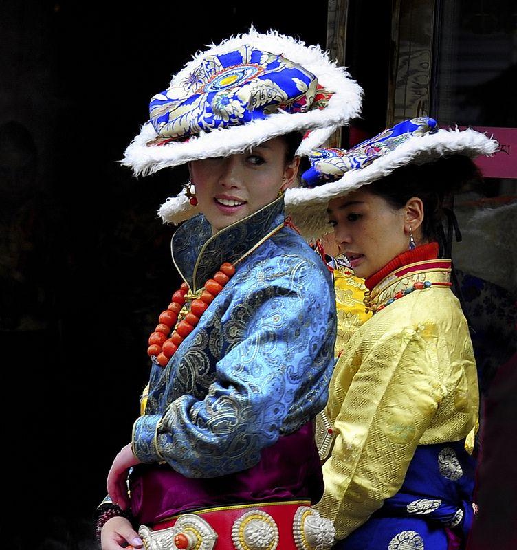 Tibetan woman wearing traditional hat of lamb fur, Tibet 2013 | Flickr - Photo Sharing!