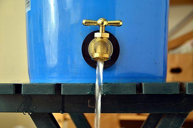 How To Put A Garden Hose Spigot On A Five Gallon Pail Hunker Garden Hose Spigot Rain Barrels Diy Water Barrel