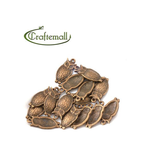 Antique bronze owl charm  four charms ABO03 by Craftemall on Etsy