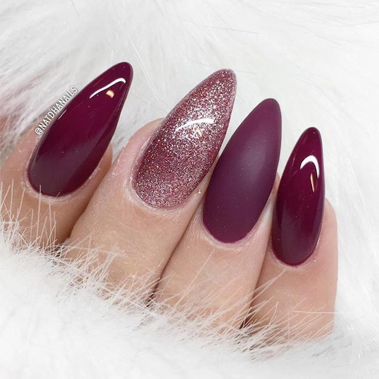 Spectacular Almond Long White Nails With Treasures In 2020 Almond Shape Nails Burgundy Nails Red Nails